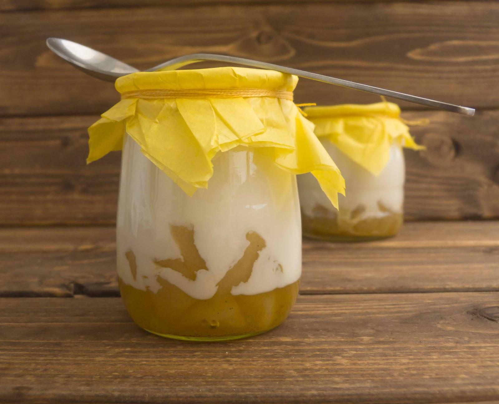 Botes de compota con yogur