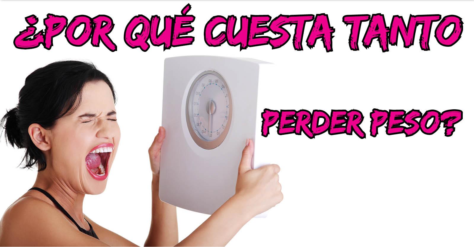 Mujer con peso en mano con letras que dicen por qué cuesta tanto perder peso